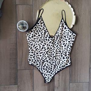 Express Cheetah Leopard Bodysuit Teddy Snap XL